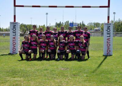Las chicas de la Escuela Robher Asesores León RC disputaron un amistoso ante las Pingüinas Rugby Burgos (1)